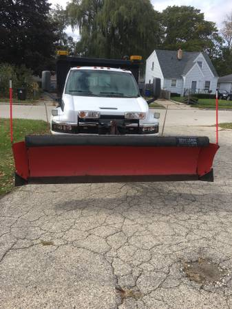 2003 Chevy Kodiak 4500 dump truck with plow for Sale, chicago IL