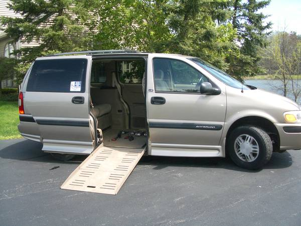 handicap accessible van 2004 chevy venture automatic ramp low miles for sale columbiana oh commercial trucks for sale