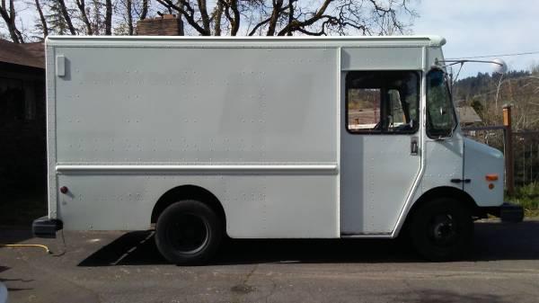 2001 P42 Grumman Workhorse Step Van for Sale, salem OR