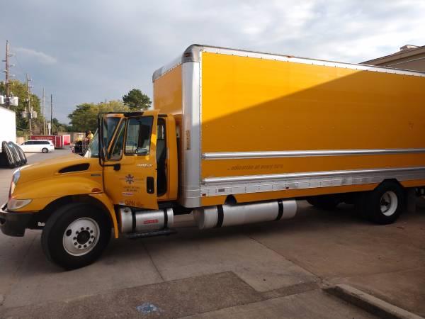 2011 International 4300 box truck 26 ft for Sale, Houston TX